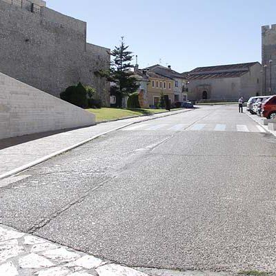 El acceso a la calle Palacio desde el Castillo se cerrará al tráfico desde el lunes 9 de enero