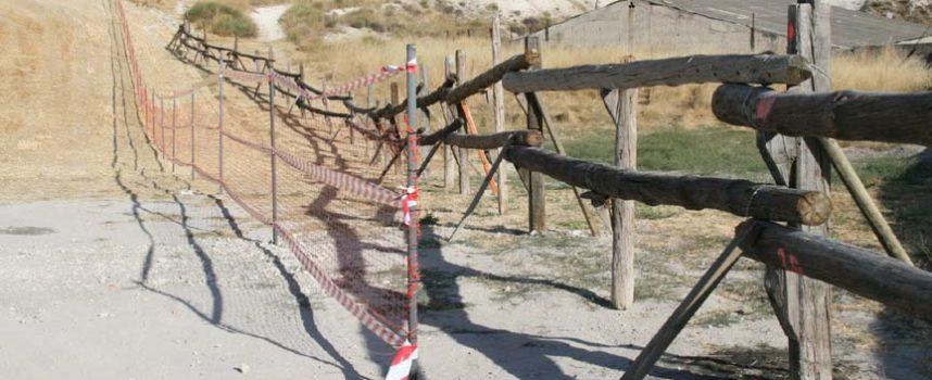 El Ayuntamiento instala en El Embudo una malla para encauzar el encierro