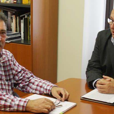 El delegado territorial y el alcalde de Fuentepelayohan mantenido un encuentro de trabajo sobre la planta de compostaje