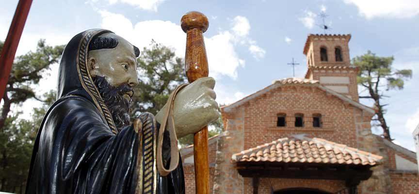 La Comunidad de San Benito de Gallegos se une en su romería