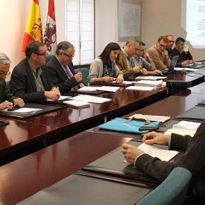 Medio Ambiente y Urbanismo aprueba la ampliación de edificaciones de la planta de destilación de resinas de Navas de Oro