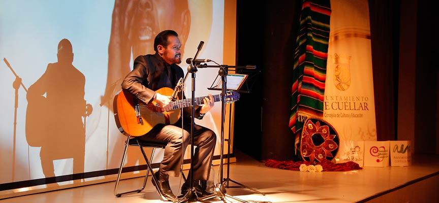 Un momento del concierto de José Luis Reséndiz.