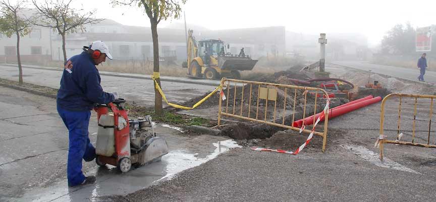 Desarrollo de los trabajos para la construcción e la acera.