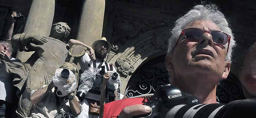 En primer plano, Jim Hollander en Pamplona.  | Foto: J. Kimmich |