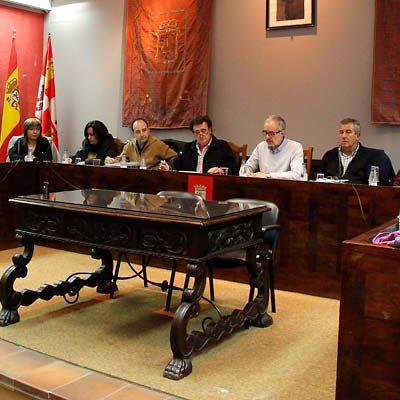 PSOE e IU aseguran que el presupuesto de 2017 no es social ni participativo