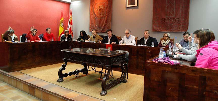 El pleno estudia hoy la nueva ordenanza de administración electrónica y el reglamento del cementerio municipal