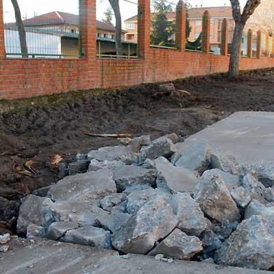 El Ayuntamiento acondiciona aceras en el entorno de las sedes de las Edades del Hombre