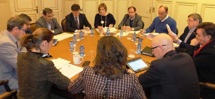 La Diputación invertirá más de 2,4 millones de euros en diferentes líneas de actuación en la provincia
