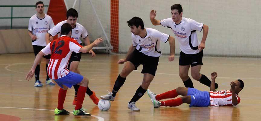 Imagen del partido disputado entre Racing Cuéllar y Atlético Bembibre la pasada temporada