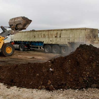 """IU Castilla y León destaca el trabajo """"constante"""" de la plataforma `No más mierda´ para la retirada de los residuos de Fuentepelayo"""