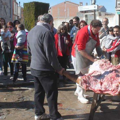 Aguilafuente celebra la fiesta de la matanza