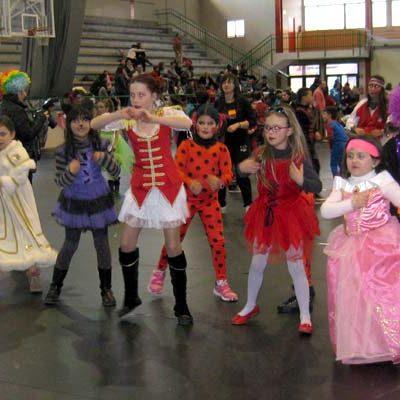 Talleres, música y diversión en el carnaval infantil