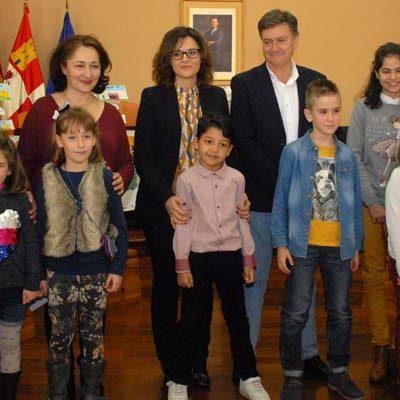 Alumnos de Vallelado, Sanchonuño, Olombrada y Gomezserracín premiados en el XII Concurso de Marcapáginas de los Bibliobuses
