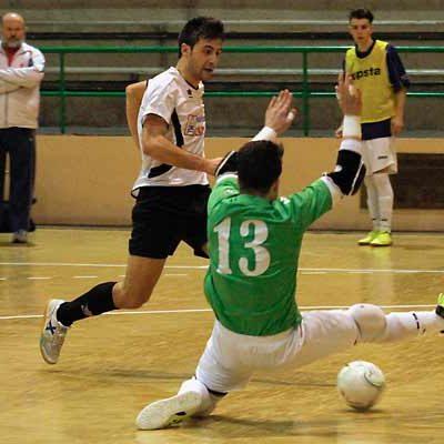 El Racing Cuéllar gana un derbi provincial muy competido frente a El Espinar