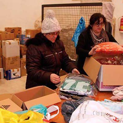 Festeamus logró completar 380 cajas de ropa y alimentos para los refugiados