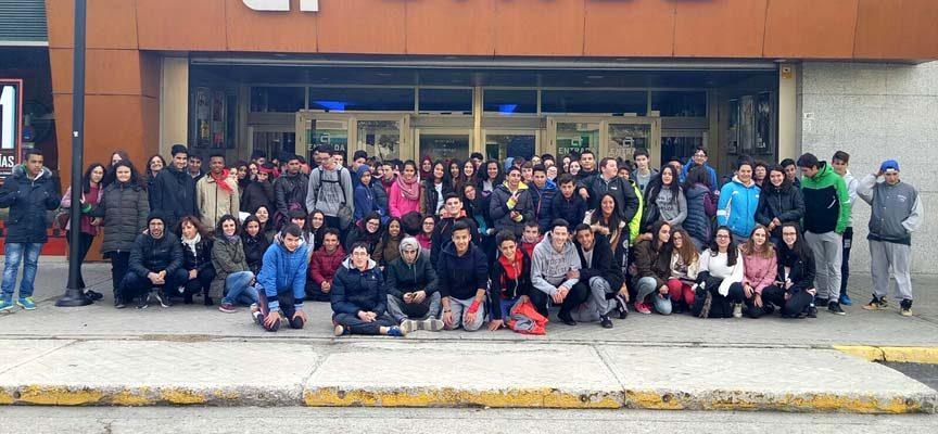 Un centenar de participantes del Programa Construyendo Mi Futuro de la Diputación disfrutaron de una jornada de ocio socializadora