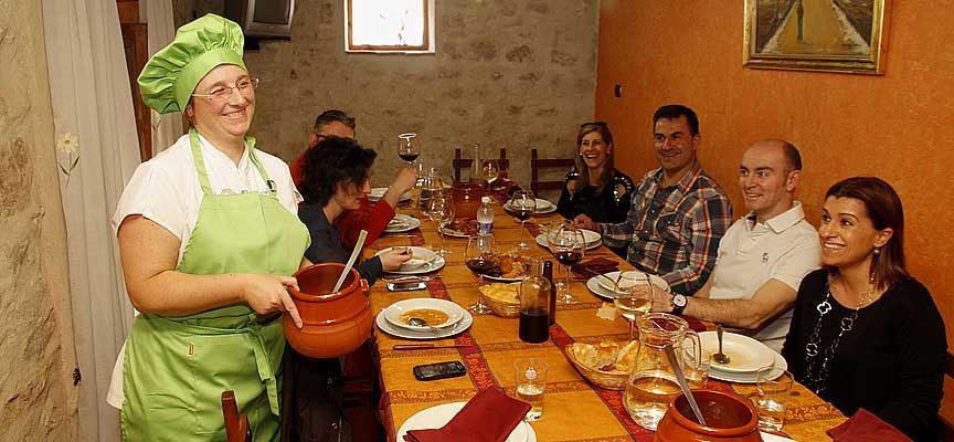 Vuelve el `Cocido Day´ a la comarca en las mesas del restaurante Maryobeli de Cogeces del Monte