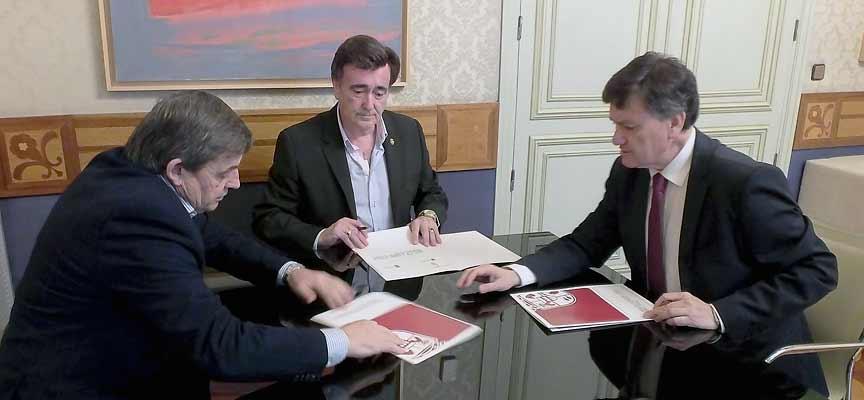 Firma del convenio en Diputación.
