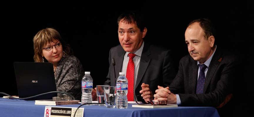 Ignacio Ruiz, junto a los concejales de Cultura y Urbanismo.
