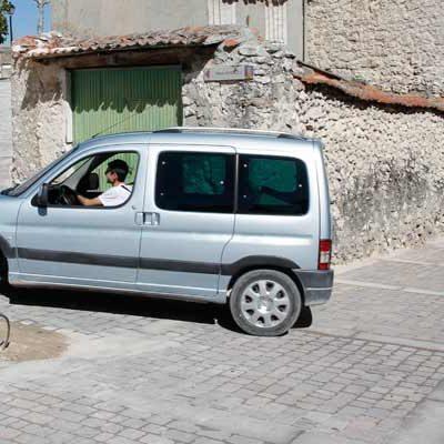 El alcalde asegura que la reordenación de la calle Palacio favorece el tránsito peatonal y no suprime aparcamientos
