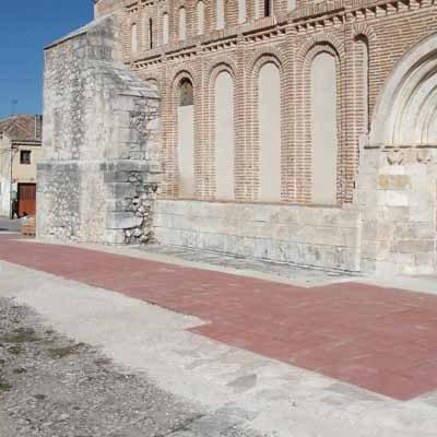 El Ayuntamiento ultima el acondicionamiento del entorno de la iglesia de San Andrés