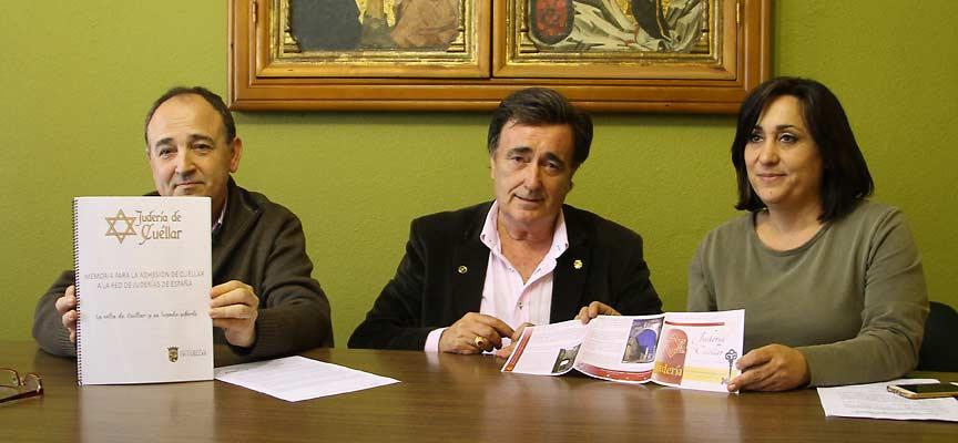 El alcalde y los ediles de Turismo y Urbanismo en la presentación del proyecto.