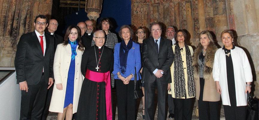 La Reina Sofía junto a las autoridades en la inauguración de `Aqva´en Toro.
