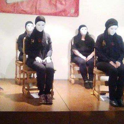 Gente Festeamus y Cruz Roja recaudaron 402 euros para los refugiados en el encuentro de poesía y yoga