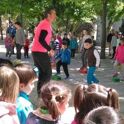 El colegio La Villa se sumó a la celebración del Día de la Educación Física en la Calle