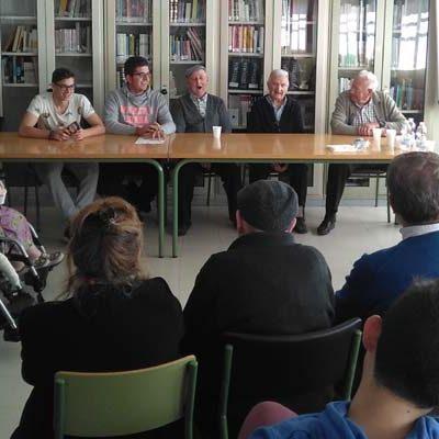 La Residencia de Nava y el Instituto Jaime Gil de Biedma refuerzan sus lazos