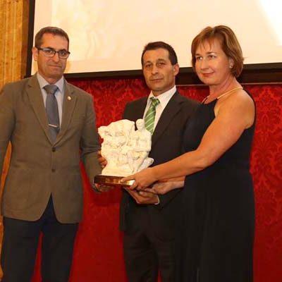 Los Premios Diputación reconocen el trabajo de la familia Muñoz al frente de la empresa El Campo de Sanchonuño