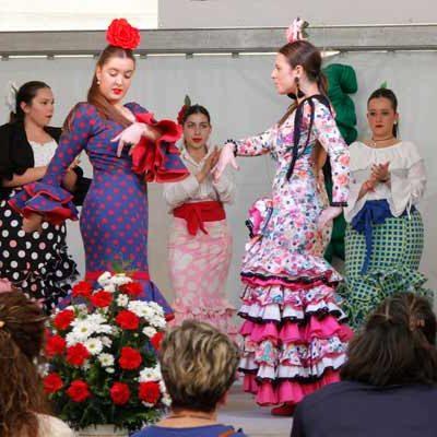 Canela Fina y el grupo de baile Sabores pusieron el broche de oro a la Feria de Mayo