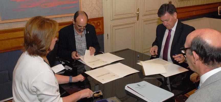 La Diputación otorgó una ayuda de 100.000 euros al Ayuntamiento de Nava de la Asunción para acondicionar el nuevo polideportivo