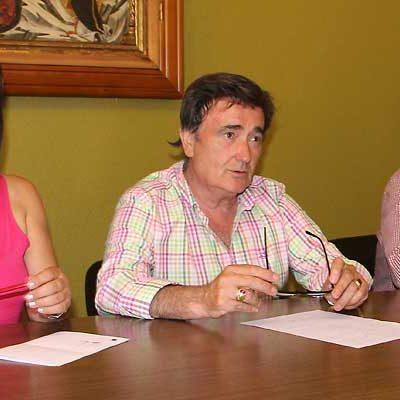 El alcalde asegura que el informe de secretaria deja clara la imposibilidad de contratar según la Ley de Presupuestos