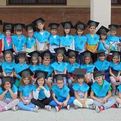 Teatro, graduaciones y fiesta fin de curso para despedir a los alumnos del colegio Santa Clara