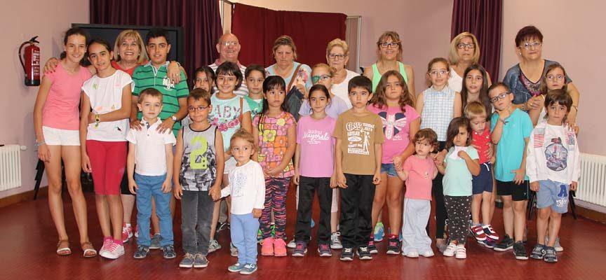 Talleres intergeneracionales y una jornada de encuentro cierran la programación de verano del Centro de Día