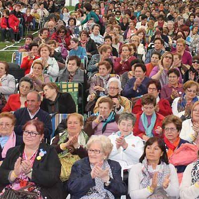 Cuéllar acoge el encuentro provincial de las aulas sociales y de manualidades de Diputación