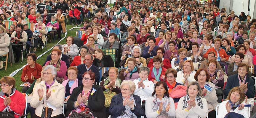Concentración de las Aulas de Manualidades celebrada en 2013 en El Henar.