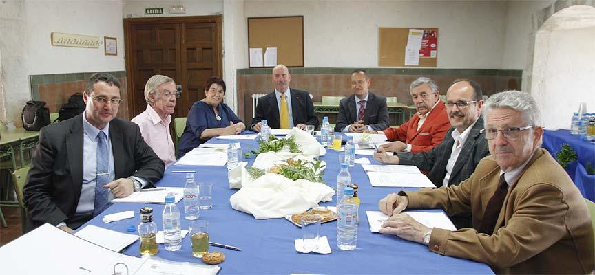 Participantes en la reunión del Patronato del Alcázar.
