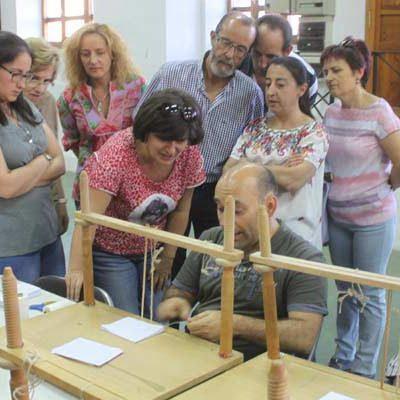 Éxito de los talleres de encuadernación de Aguilafuente