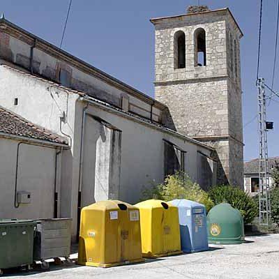 El PSOE pedirá en el pleno la instalación de contenedores para envases en los barrios dependientes de la villa