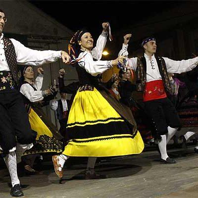 El XXX Festival del Ajo homenajeó al tamborilero de Bieldo, Miguel Garrido