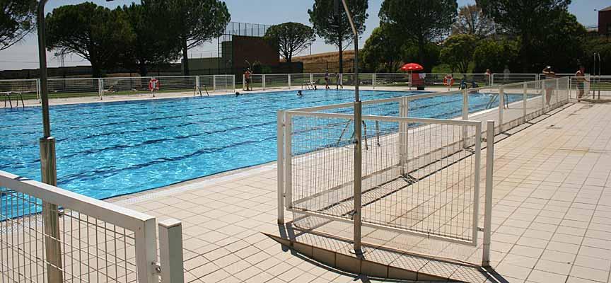 Instalaciones de la piscina de verano de la villa.