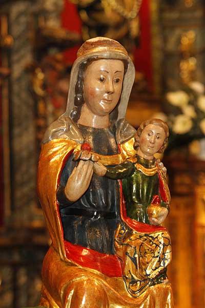 Imagen de la virgen tras la restauración.