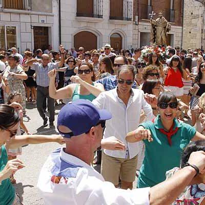 Danzas en honor a Santo Domingo de Guzmán en el día grande de las fiestas de Campaspero