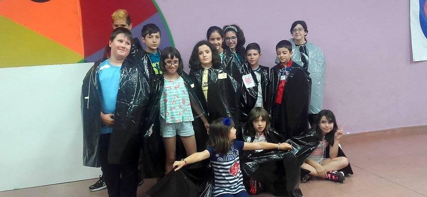 Participantes en una de las actividades de la Casa Joven.