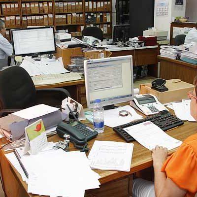 El Ayuntamiento de Cuéllar convoca una plaza de auxiliar administrativo