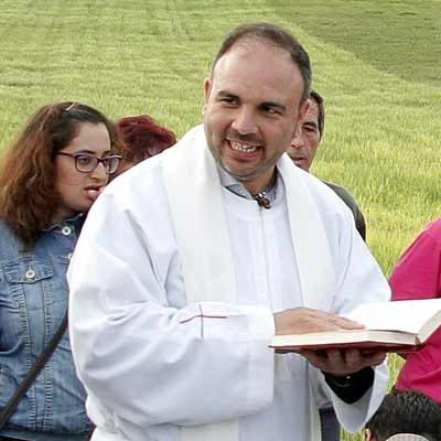 La villa despedirá con una eucaristía al sacerdote Javier Martín de Arce