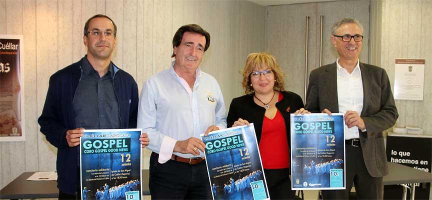 El alcalde y la concejala de Cultura, junto al párroco y el presidente de la Fundación Caja Rural.