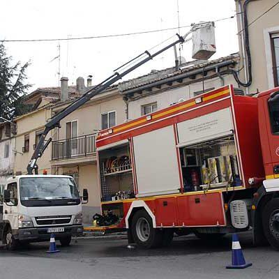 Un incendio provoca numerosos daños materiales en una vivienda en la Ronda de San Bartolomé de Cuéllar